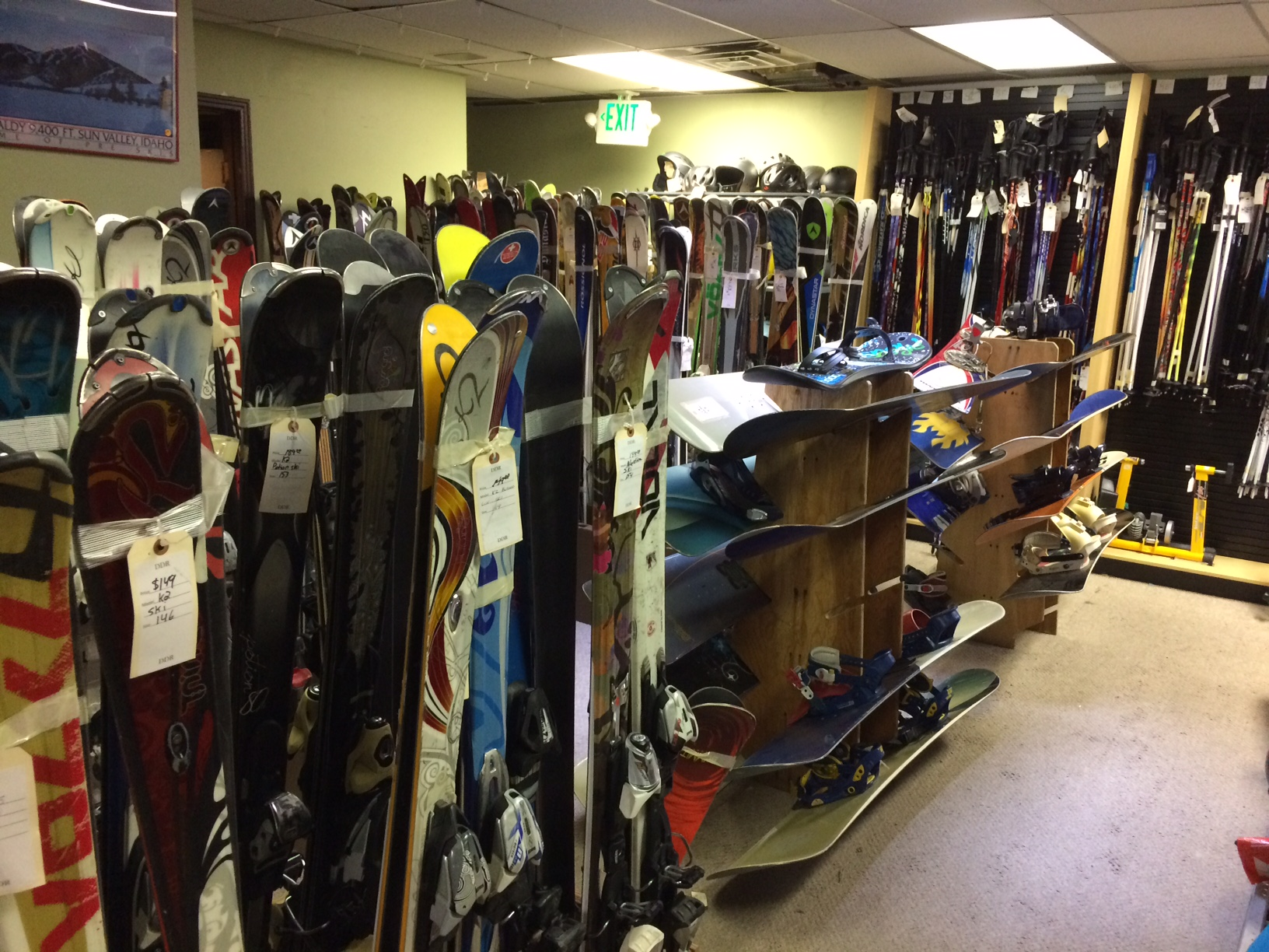 used outdoor gear, used skis, used snowboards, used ski boots, used snowboard boots, used ski goggles, used ski poles, used ice skates, used hockey skates